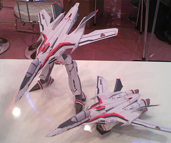 VF-25 メサイアバルキリー(アルト機)